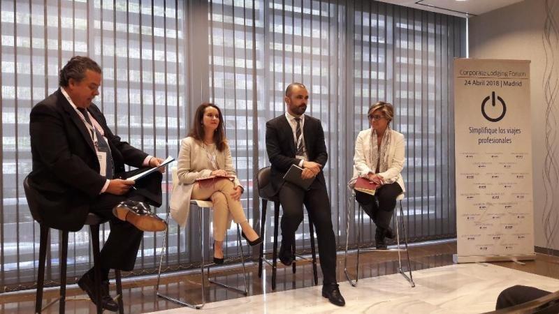 De izq. a dcha, Ricardo Crespo, de AbbVie; Beatriz Sánchez, de Siemens; Pedro Real, de HRS Spain; y María Rey, de NH Hotel Group.
