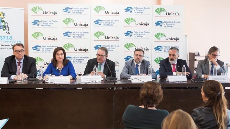 Los ponentes en la presentación del Congreso de Hoteleros Españoles que se celebrará en Málaga del 30 de mayo al 1 de junio.