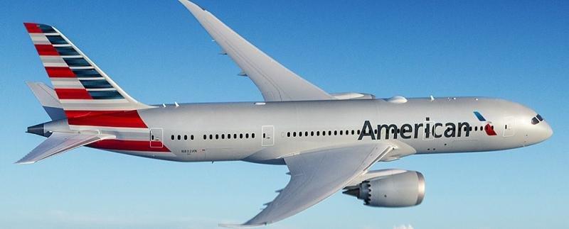 Caen un 45% las ganancias de American Airlines en el primer trimestre