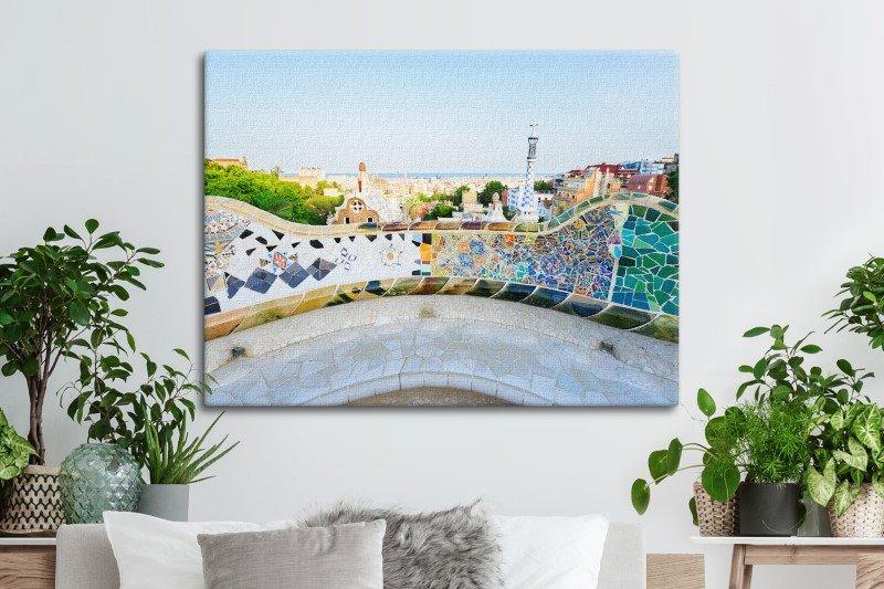 Con la información de SightMaps, Posterlounge, tienda online especializada en decoración de paredes, ha reproducido las fotografías de las ciudades y escenarios que más han captado las cámaras de todo el mundo, como el Parque Güell en la imagen.