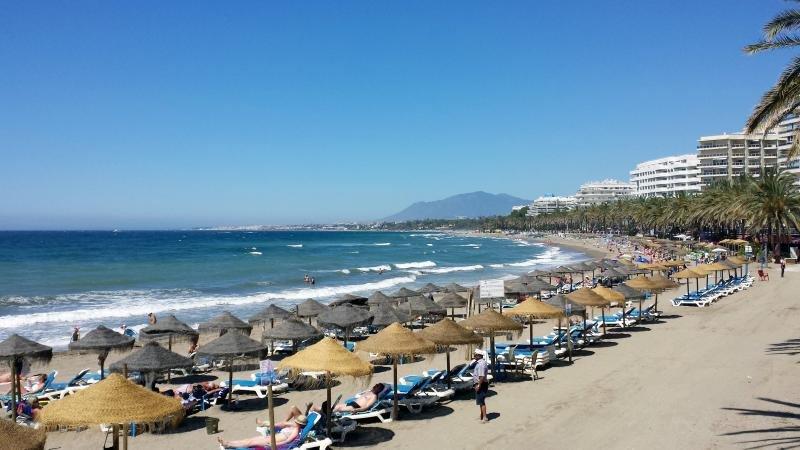 AEHCOS defiende el esfuerzo del sector hotelero por crear empleo