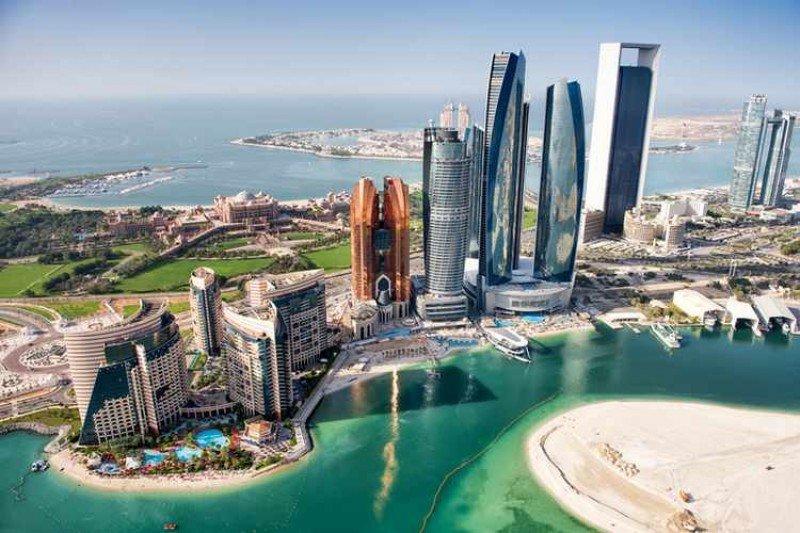 Uruguayos podrán viajar sin visa a Emiratos Árabes Unidos