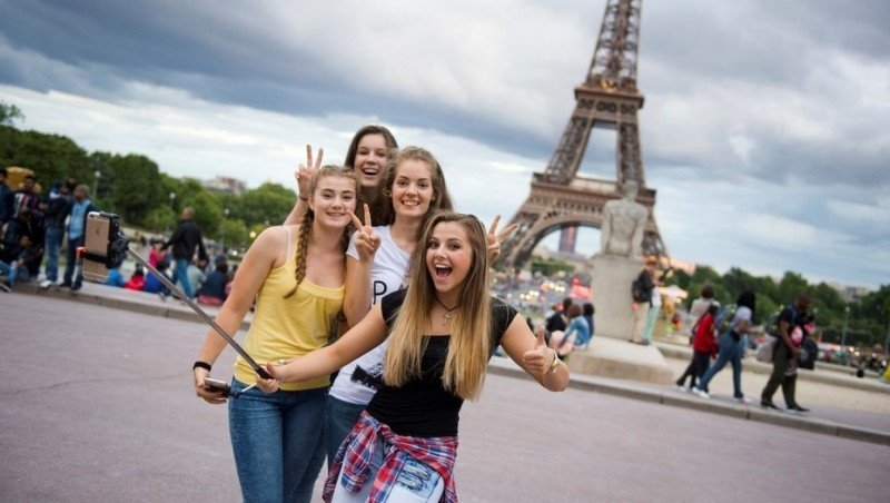 Turismo en Francia se recuperó en 2017 y alcanzó un nuevo récord