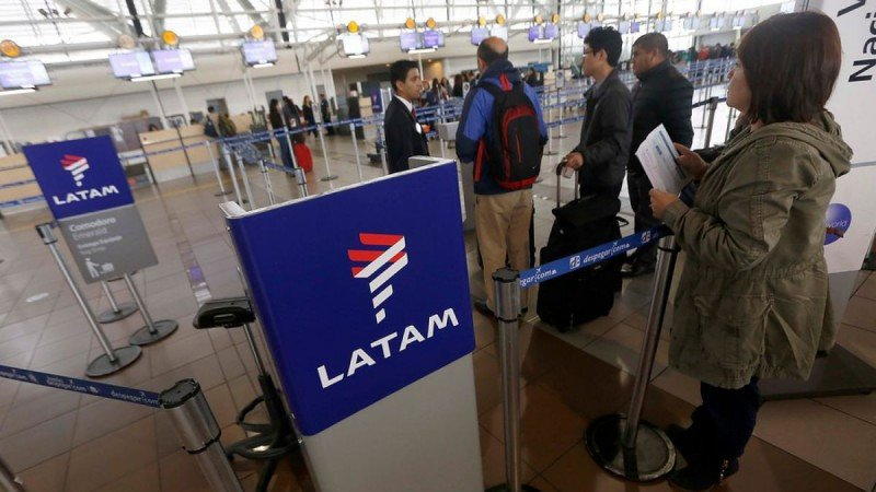 LATAM Chile cancela algunos vuelos entre el 10 y el 16 por amenaza de huelga (Foto: T13)
