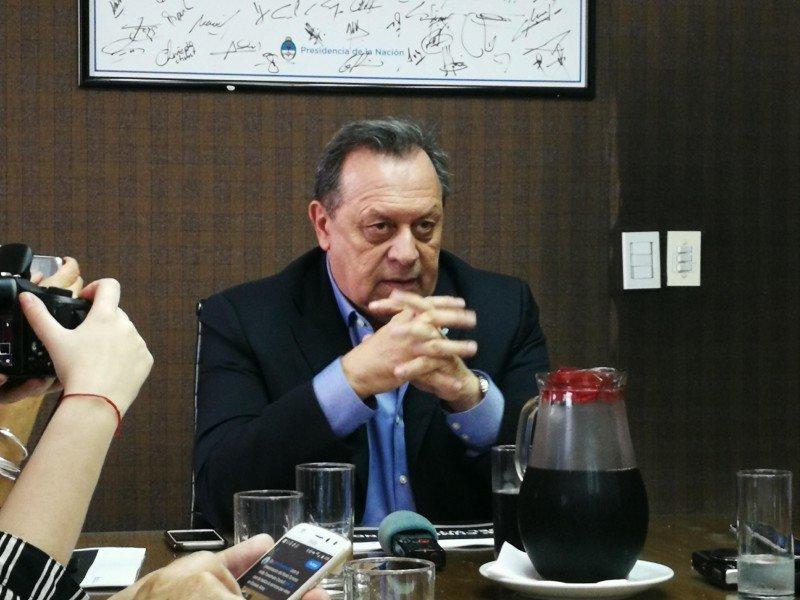 Gustavo Santos recibió a los medios del trade en el Ministerio de Turismo.