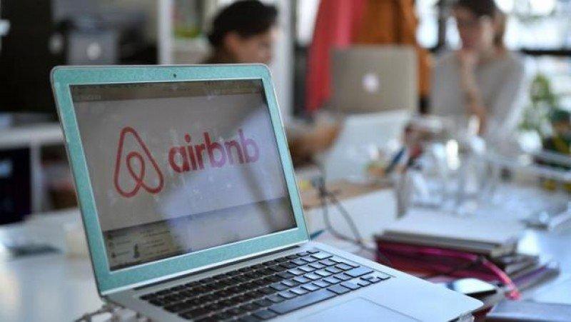 Airbnb: proyecto piloto quita la comisión a los huéspedes