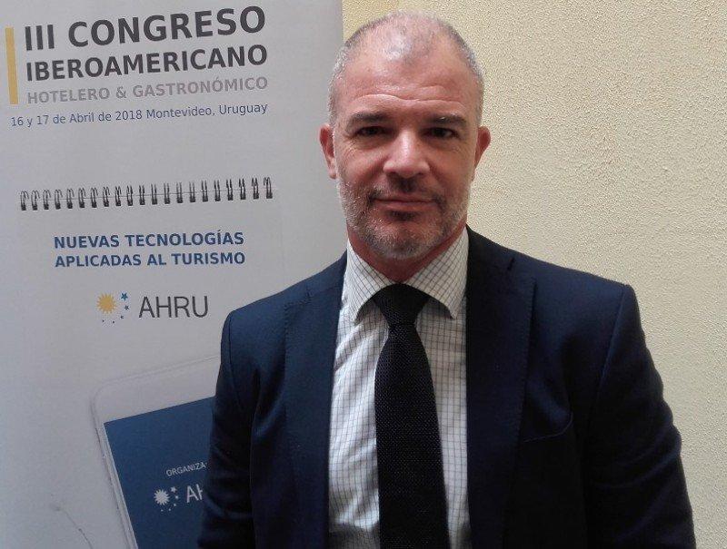 Julio Facal: asesor jurídico de numerosas instituciones de turismo en Uruguay y autor de varios proyectos de ley para el sector.
