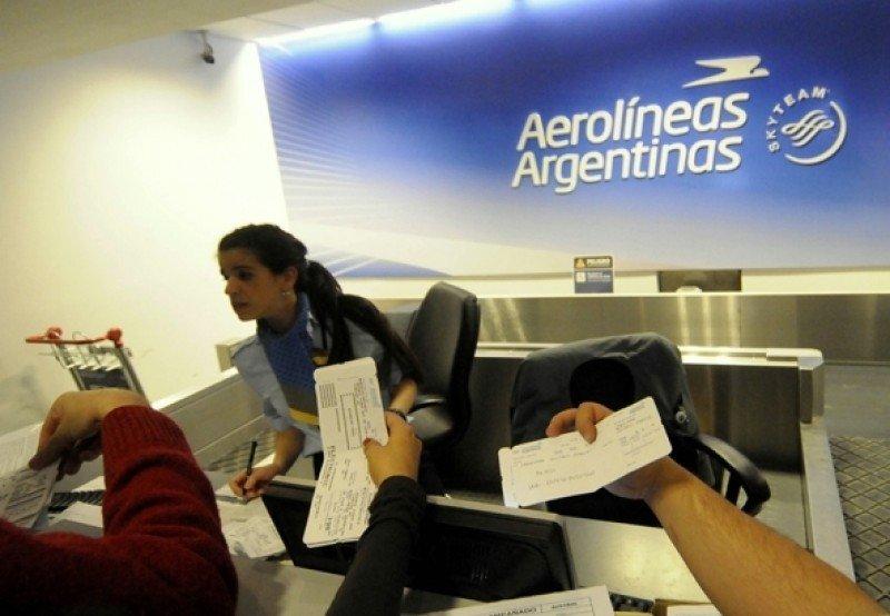 Las tarifas económicas de Aerolíneas Argentinas bajaron 20% en dos años