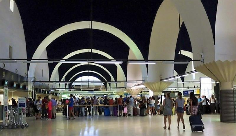 El Aeropuerto de Sevilla es uno d elos tres españoles de mayor crecimiento, con más de un 30% de aumento en su tráfico del primer trimestre del año.