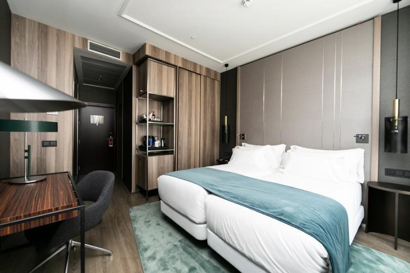 NH transforma un edificio centenario de Madrid en un hotel premium