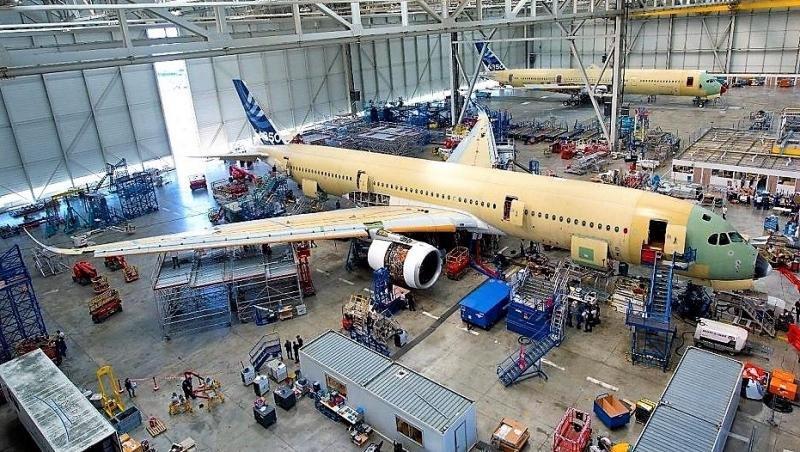 Planta de ensamblaje del A350, enla sede de Airbus en Toulouse.
