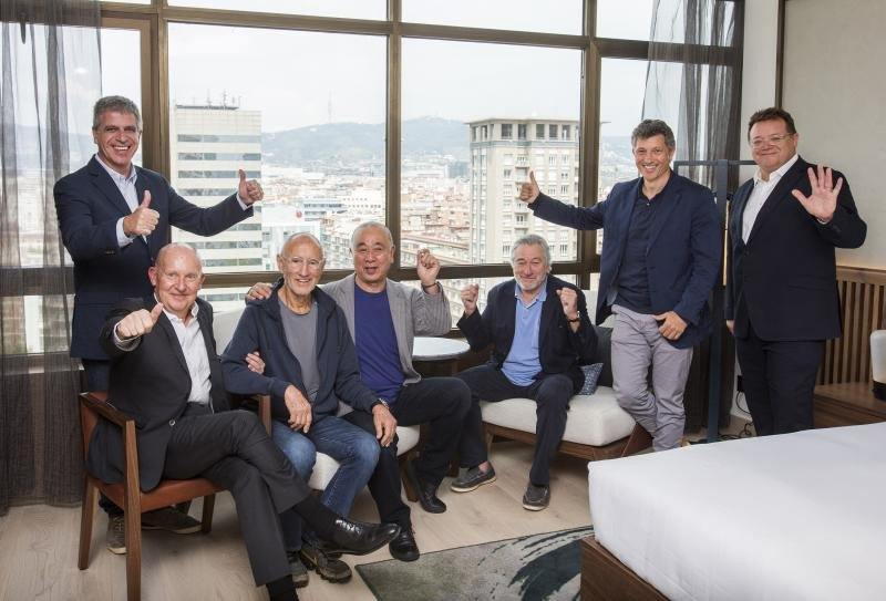 Jordi Mestre,  Trevor Horwell, Meir Teper, Nobu Matsuhisa, Robert de Niro, Ramón Borrel y Struan McKenzei (de izqu a dch.).