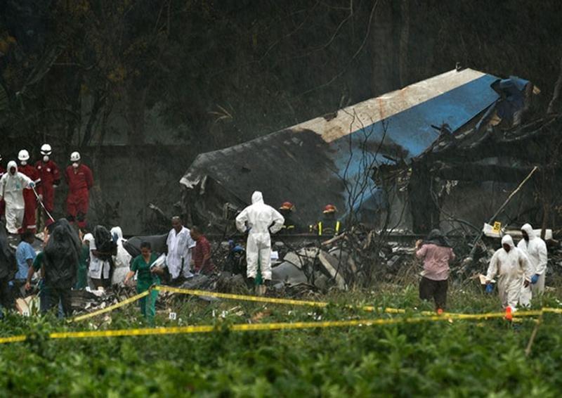 La investigación sigue en el lugar del accidente. Foto: eldictamen.mx.