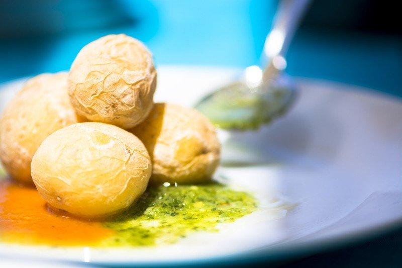 Los turistas se muestran muy satisfechos con su experiencia culinaria en Canarias. (Imagen: Promotur)