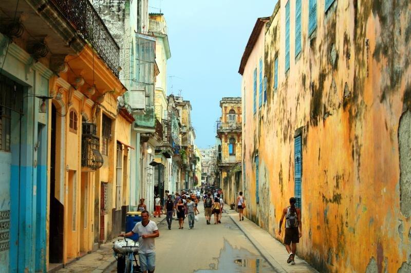 Cuba cuenta con más de 110.000 trabajadores vinculados al sector.