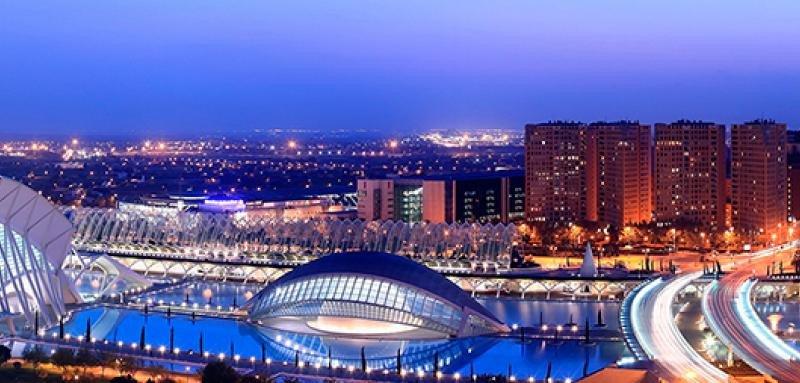 Los apartamentos turísticos transforman el sector hotelero en Valencia