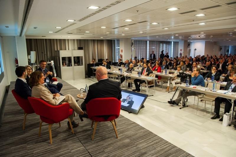 Imagen de  la mesa sobre 'Estrategias de crecimiento en el negocio hotelero' que se celebró este martes 22 en el marco del Foro Hosteltur 2018.