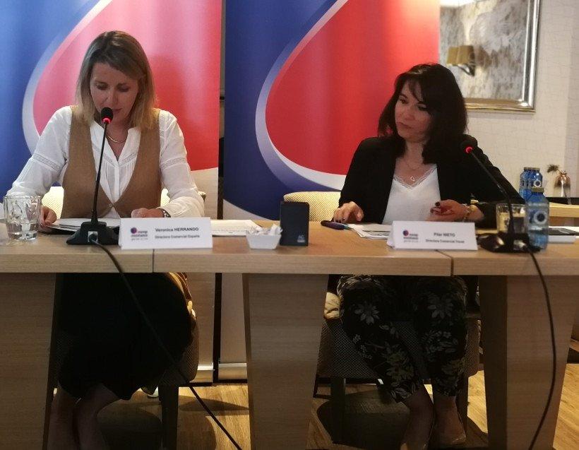Verónica Herrando, directora comercial de Europ Assistance, y Pilar Nieto, directora comercial del área Travel Bussines de la compañía, durante la presentación del estudio que tuvo lugar ayer.