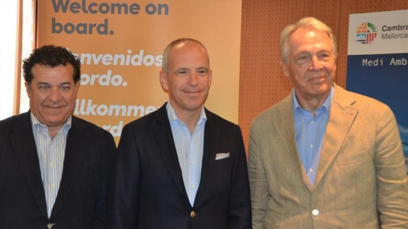 (De Izq. a Da.)  Juan Manuel Gallego, Christoph Debus y Álvaro Middelmann.