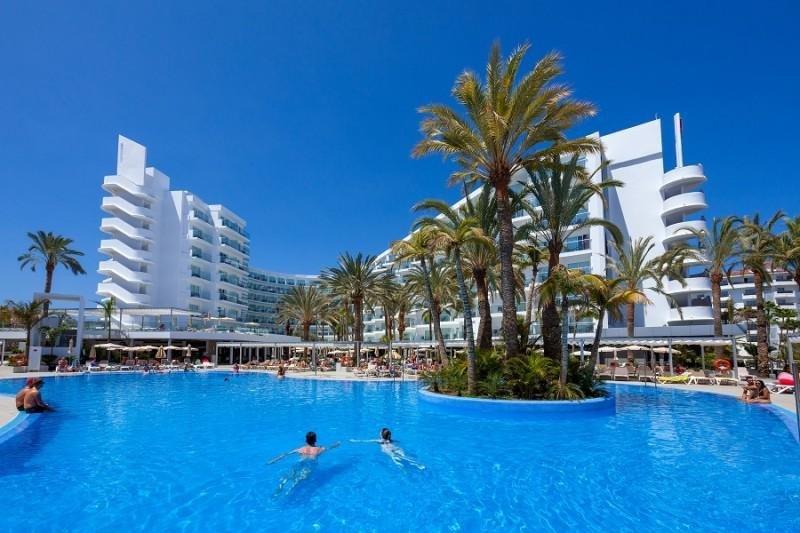 El Club Hotel Riu Papayas Flamingo es uno en los que se aplicará el acuerdo.