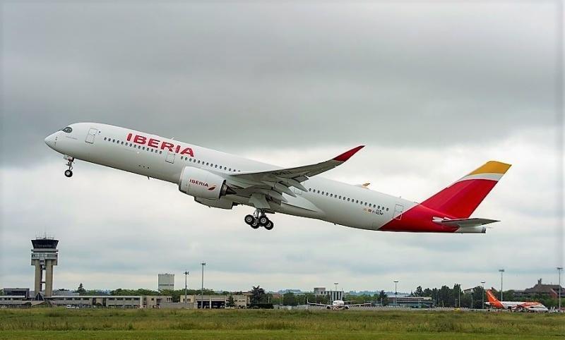 Primer vuelo del potente A350-900 de Iberia Airbus A350-900 de Iberia (Foto by A. Domenjou/ Master Films).
