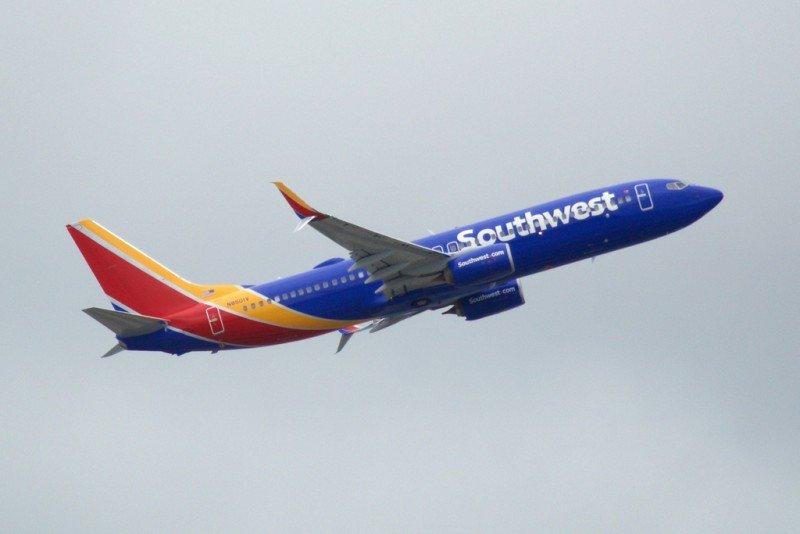 Ventana rota en avión de Southwest obliga a un aterrizaje de emergencia