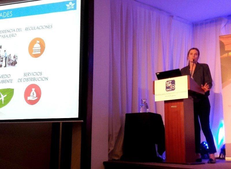 María José Taveira, gerente regional de IATA para Arentina, Paraguay y Uruguay, expuso en el Foro DACS de Aviación Civil en Montevideo. Foto: J. Lyonnet.