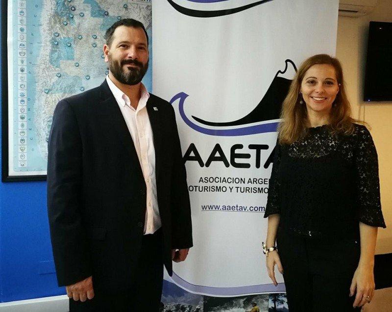 Christian Castex y Patricia Molina presentaron ante la prensa la incubadora de AAETAV.