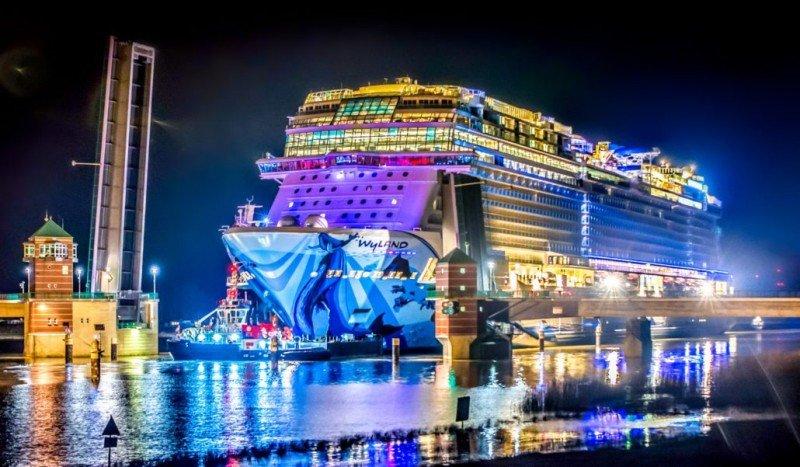 Megacrucero Norwegian Bliss marcará un récord en el Canal de Panamá