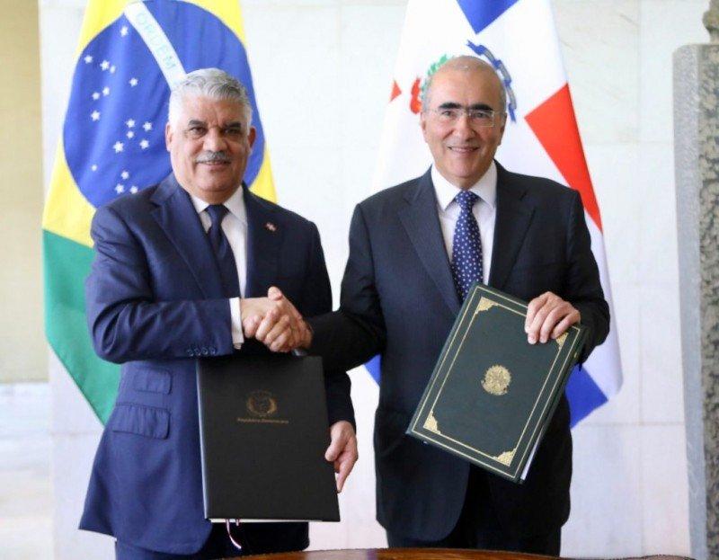 Miguel Vargas y Marcos Bezerra Abbott Galvão.
