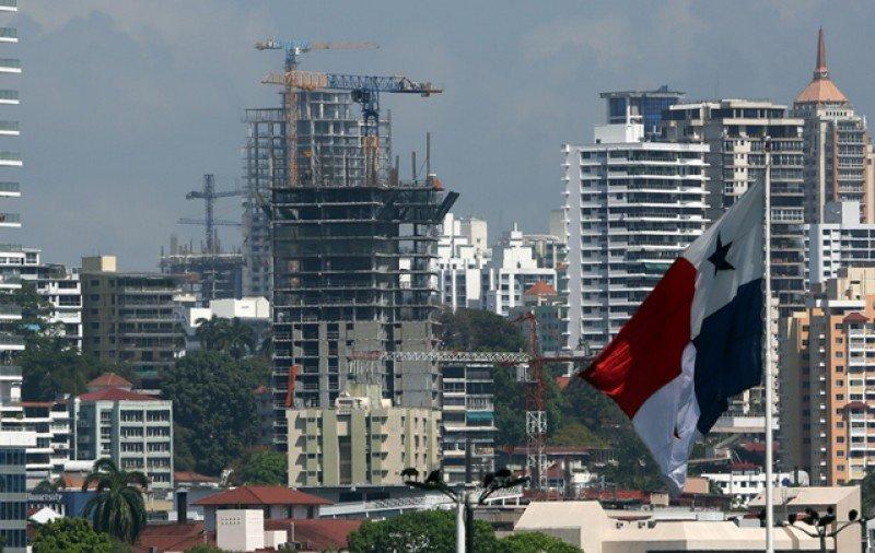 Sindicato y empresas están muy lejos de llegar a un acuerdo salarial. Foto: El Economista.