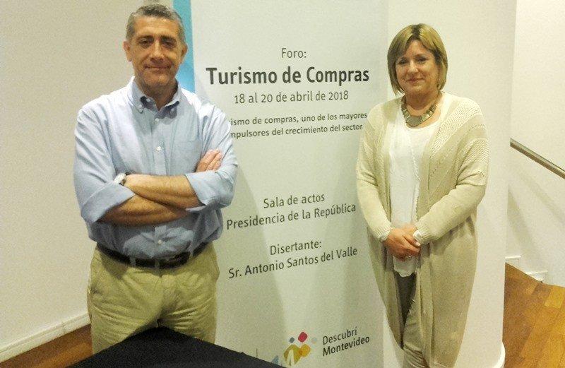 Antonio Santos y Elizabeth Villalba en el seminario celebrado en Montevideo. Foto: J. Lyonnet