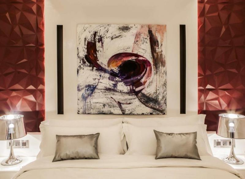 Con Wine and Soul Suites su propietario, Daniel Ayala, busca 'ofrecer a los amantes del diseño y los grandes caldos el máximo estándar de alojamiento de calidad y servicios, así como una experiencia del vino en un entorno de arte y diseño'.