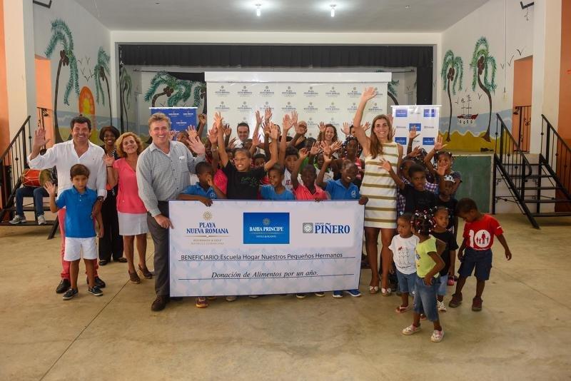El Grupo Piñero colabora con entidades locales de los destinos en los que trabaja y destina ayudas a causas enfocadas en mejorar la vida de la infancia y la juventud.