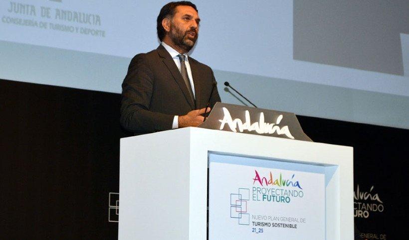 El consejero de Turismo y Deporte, Francisco Javier Fernández.