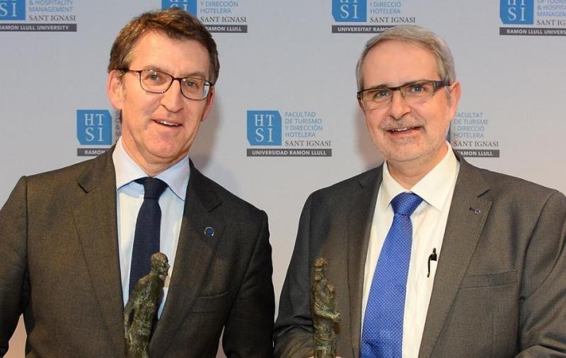 Los galardonados en la anterior edición: Alberto Núñez Feijóo, presidente de la Xunta de Galicia, en nombre del Camino de Santiago; y Ferran Tarradellas, director de la Representación de la Comisión Europea en Barcelona, por el programa Erasmus.