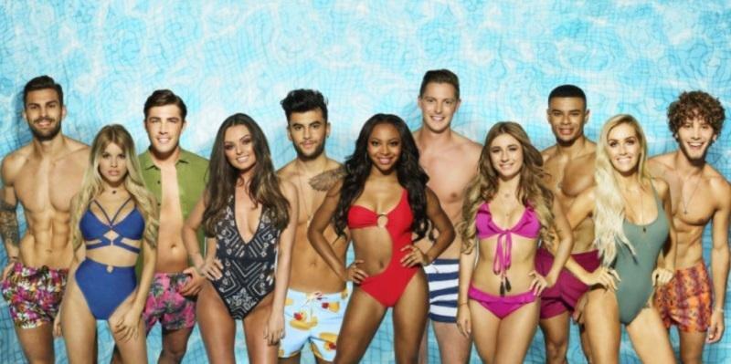 Los concursantes del programa, en una imagen promocional del canal británico ITV 2.