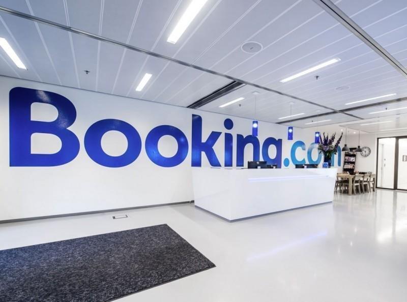 El 'efecto Airbnb': Booking se vende como algo más que hoteles