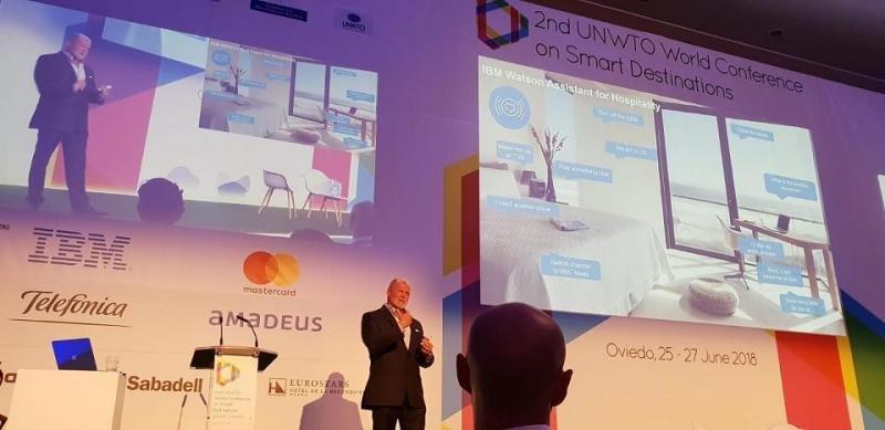 Greg Land ha vaticinado que en tres o cinco años veremos los grandes cambios que provocarán las aplicaciones de la inteligencia artificial en el sector turístico.