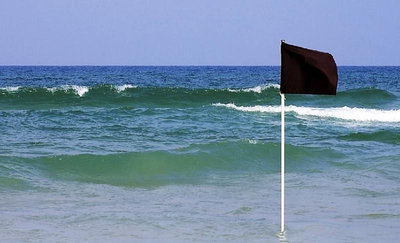 Banderas negras para 48 puntos de la costa española