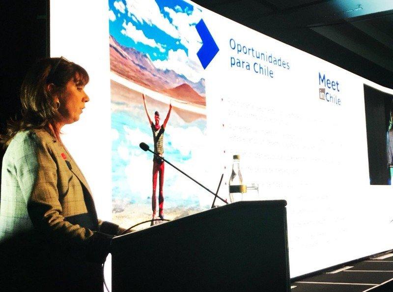 La subsecretaria de Turismo de Chile, Mónica Zalaquett, abrió el 5° Foto Político dentro de FIEXPO.
