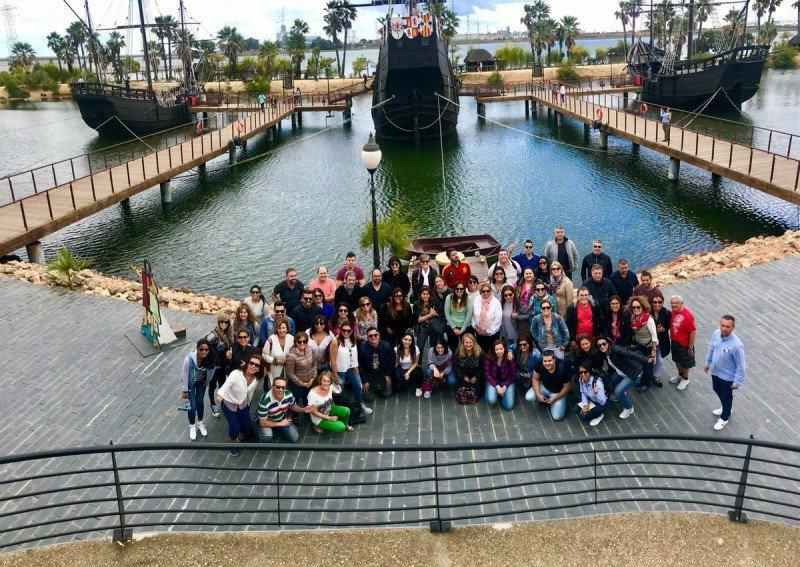Los participantes del encuentro visitaron el Muelle de las carabelas en Huelva. Foto: Vive Andalucía.