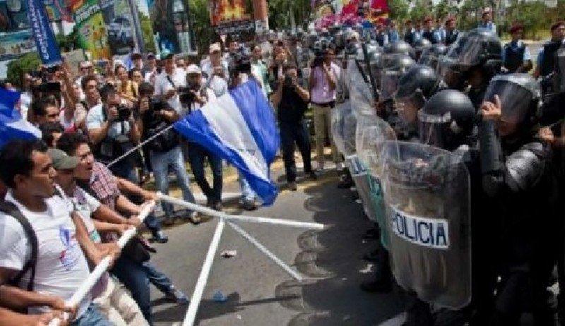 Represión a las protestas contra el gobierno de Daniel Ortega en Nicaragua.