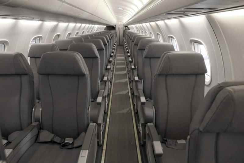 Aerolínea Lasa tendrá 12 aviones Embraer 145 con capacidad para 50 pasajeros.
