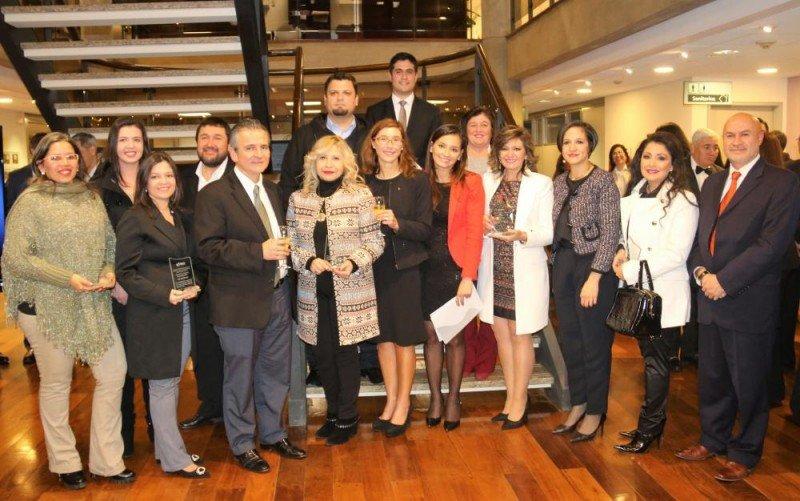 Equipo de la Secretaría de Turismo de Paraguay premiado por el BID.