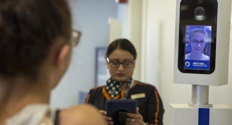Aeropuerto de Orlando, el primero de EEUU en escanear a todos los pasajeros