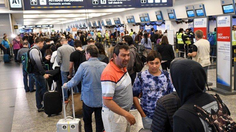 LATAM, Andes y Aerolíneas Argentinas aplican plan de contingencia por paro del lunes