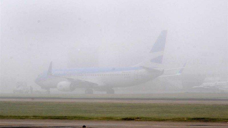 Aerolíneas Argentinas cancela sus vuelos por niebla hasta el domingo a la tarde