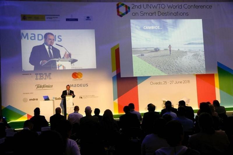 El consejero de Empleo, Industria y Turismo, Isaac Pola, en la presentación de su estrategia de digitalización 'Asturias, destino turístico inteligente'.