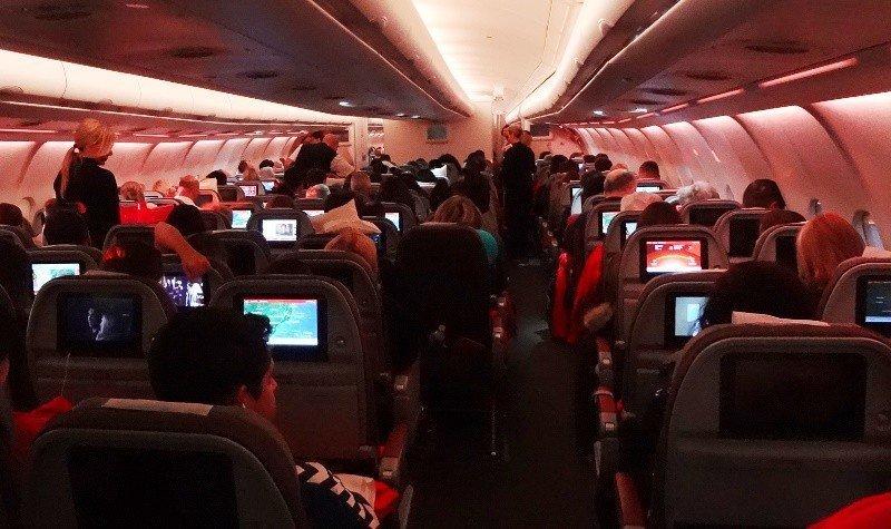 La Administración Federal de Aviación (FAA) de EEUU desestimó que sea necesario regular el tamaño de los asientos por razones de seguridad.